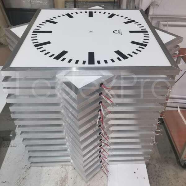 Световые часы циферблат